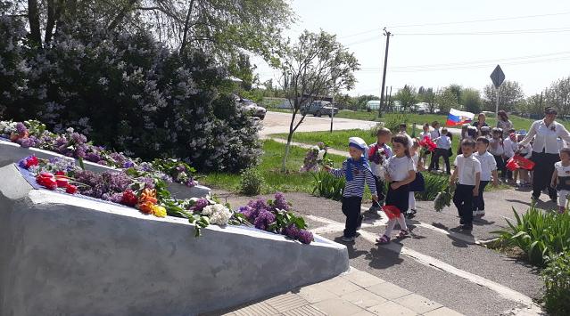 В Детском саду «Родничок» хутора Потапов прошел праздник, посвященный Дню Победы