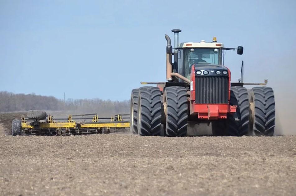 Весенние полевые работы на Дону набирают темп