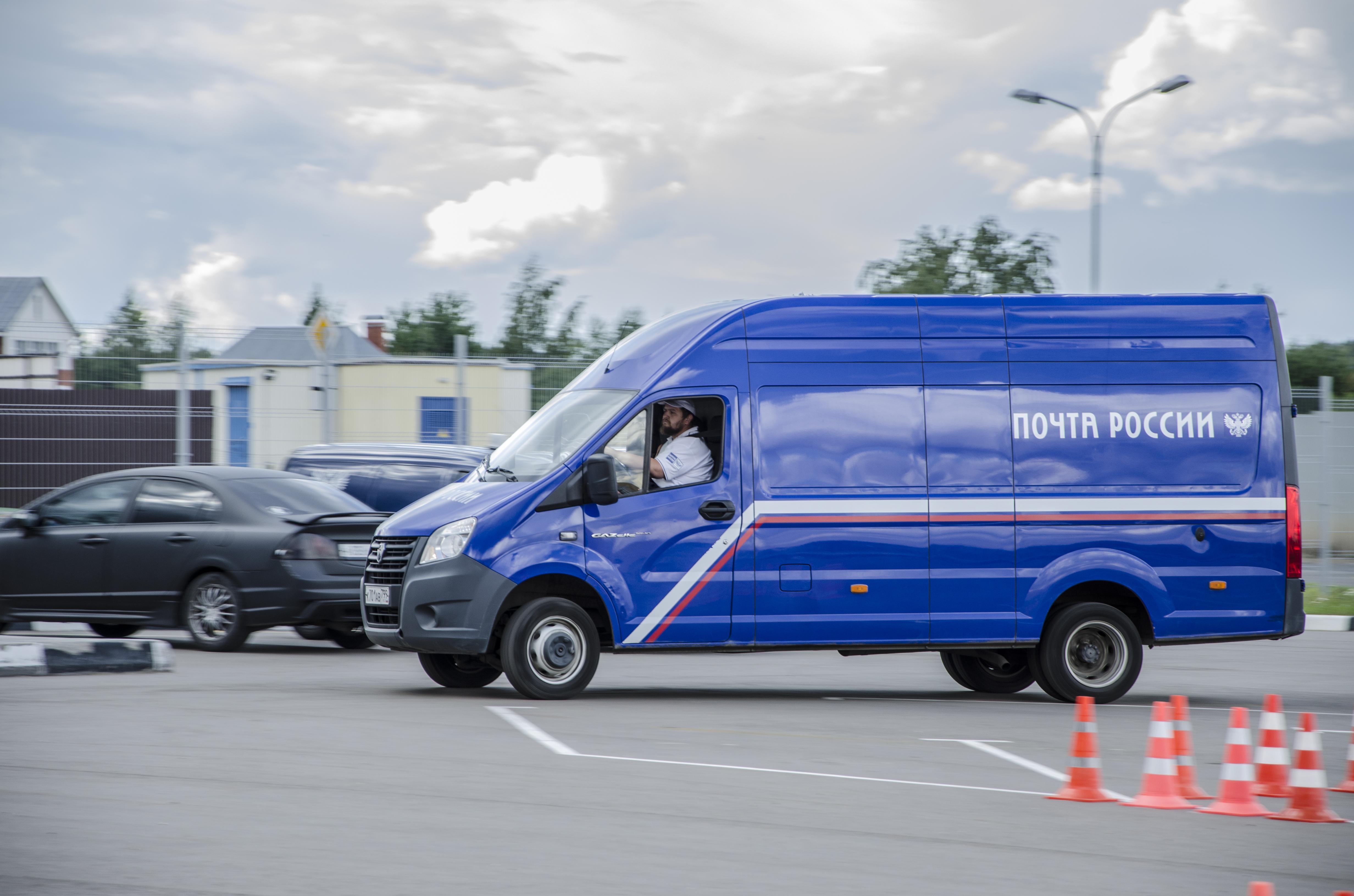 Почтовые автомобили Ростовской области за год проезжают расстояние равное 362 экваторам