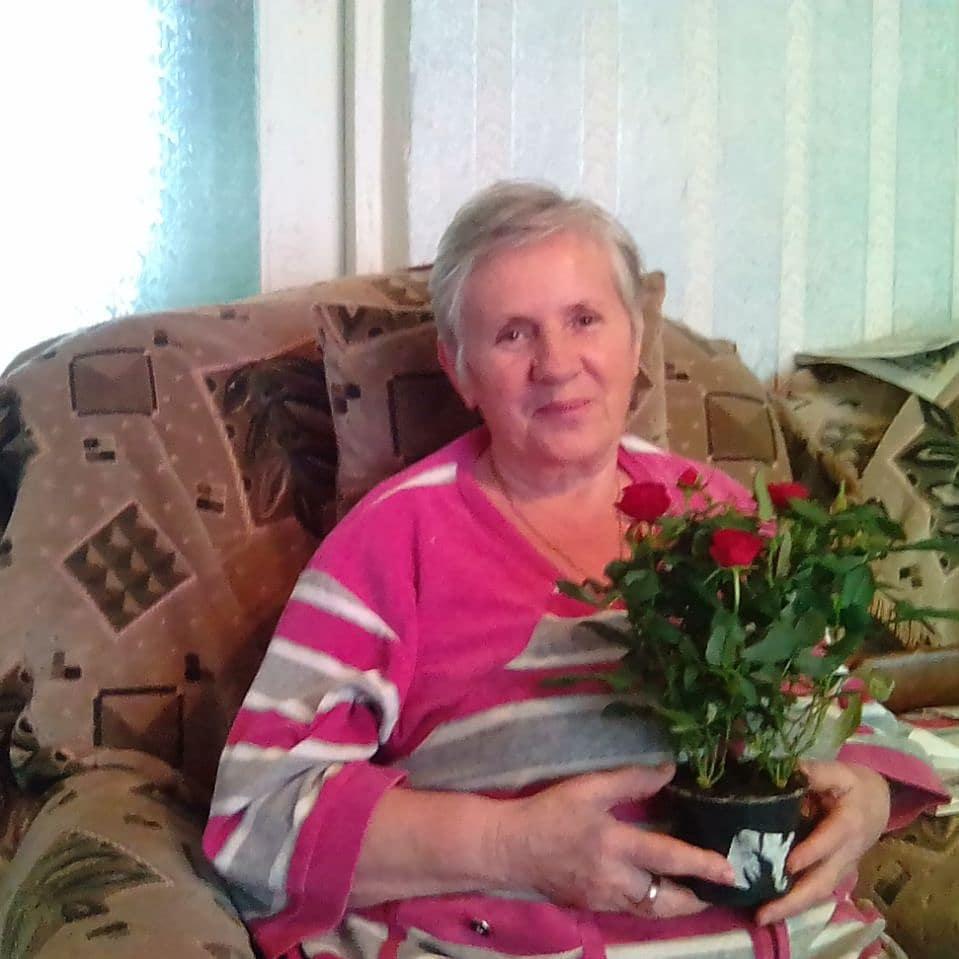 Надежда Винс представляет хутор Потапов на конкурсе «Мамина улыбка»