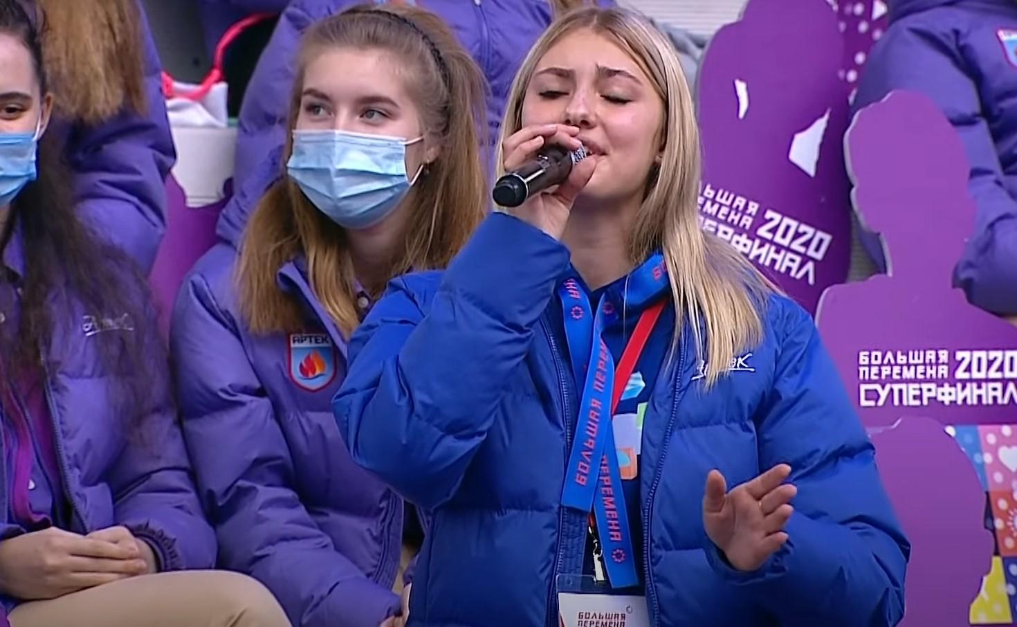 Песня о России под аплодисменты президента