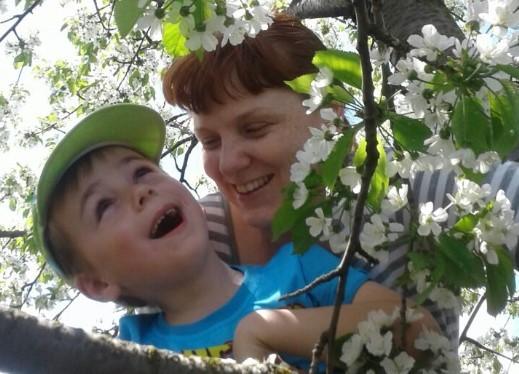 Людмила из поселка Виноградный присоединяется к конкурсу «Мамина улыбка»