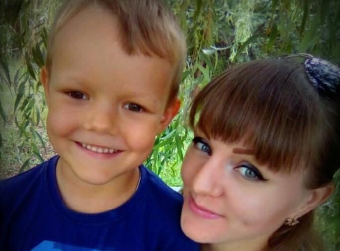 Данилл Жидков поделился фотографией для «Маминой улыбки»