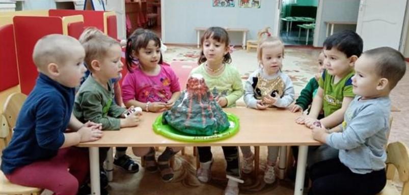В детском саду «Дюймовочка» посёлка Победа дети исследуют мир вокруг путем экспериментов