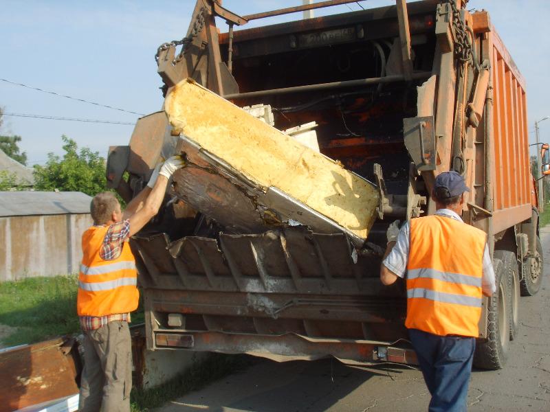 Крупногабаритные отходы в Волгодонском районе вывезет ООО «Содружество»