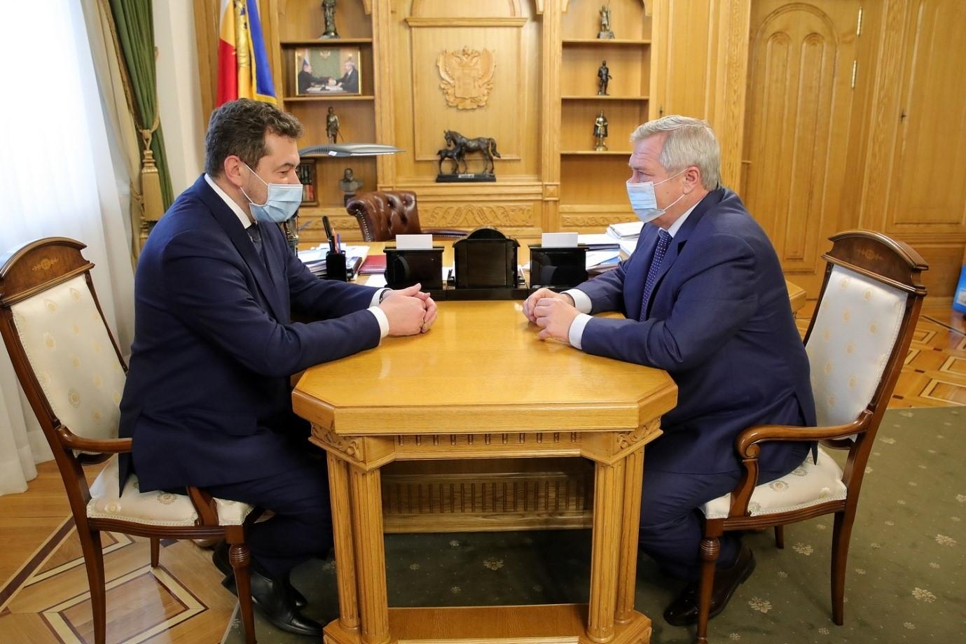Губернатор Василий Голубев и начальник СКЖД Сергей Задорин  обсудили вопросы развития железнодорожного сообщения