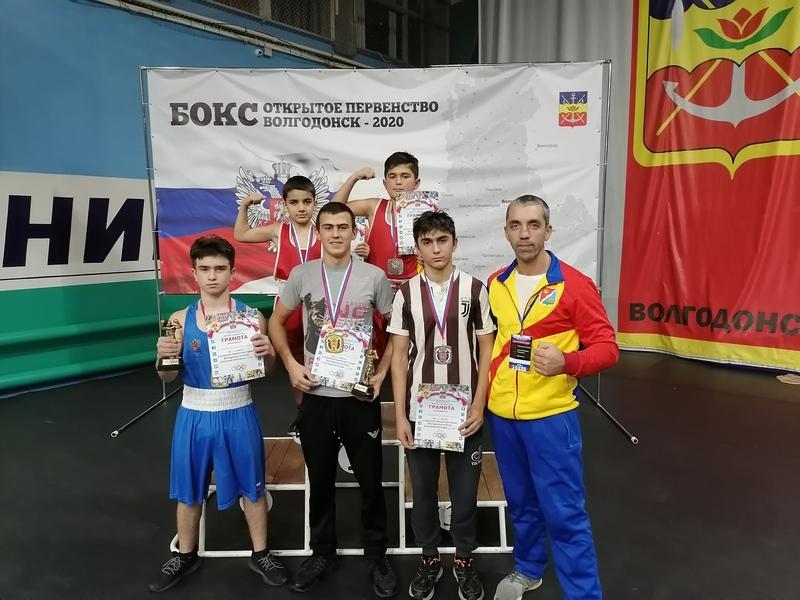 Два «золота», три «серебра» и три «бронзы» добавили в копилку побед юные боксеры Волгодонского района