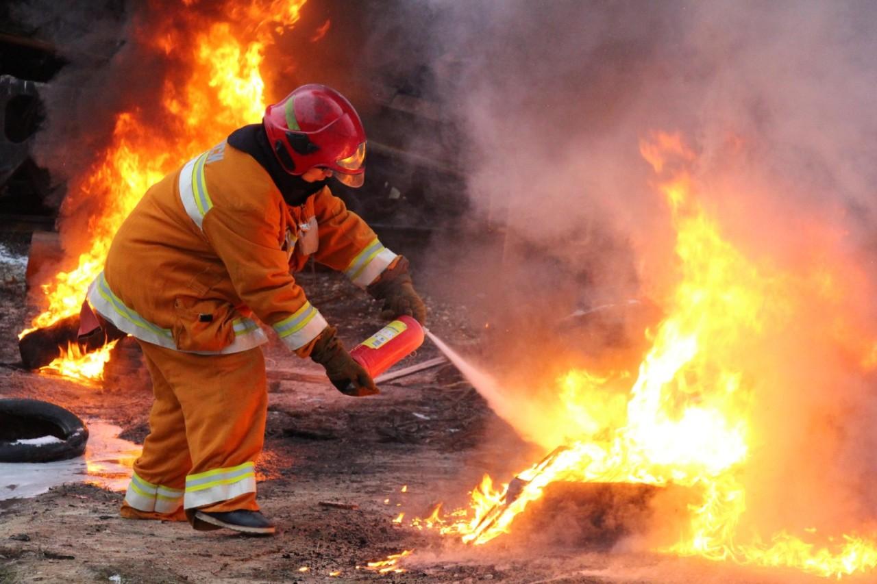 Начальник пожарной части Волгодонского района напомнил о пожарной безопасности в быту в зимнее время