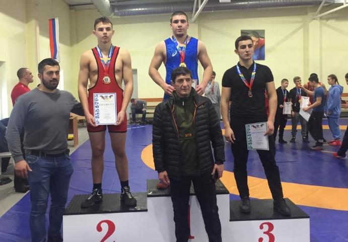 Воспитанник ДЮСШ Волгодонского района завоевал золотую медаль на первенстве в Аксае