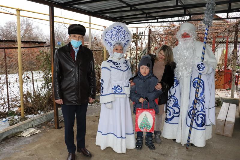 Магомед Точиев из станицы Романовская получил уличный спортивный комплекс благодаря «Ёлке желаний»