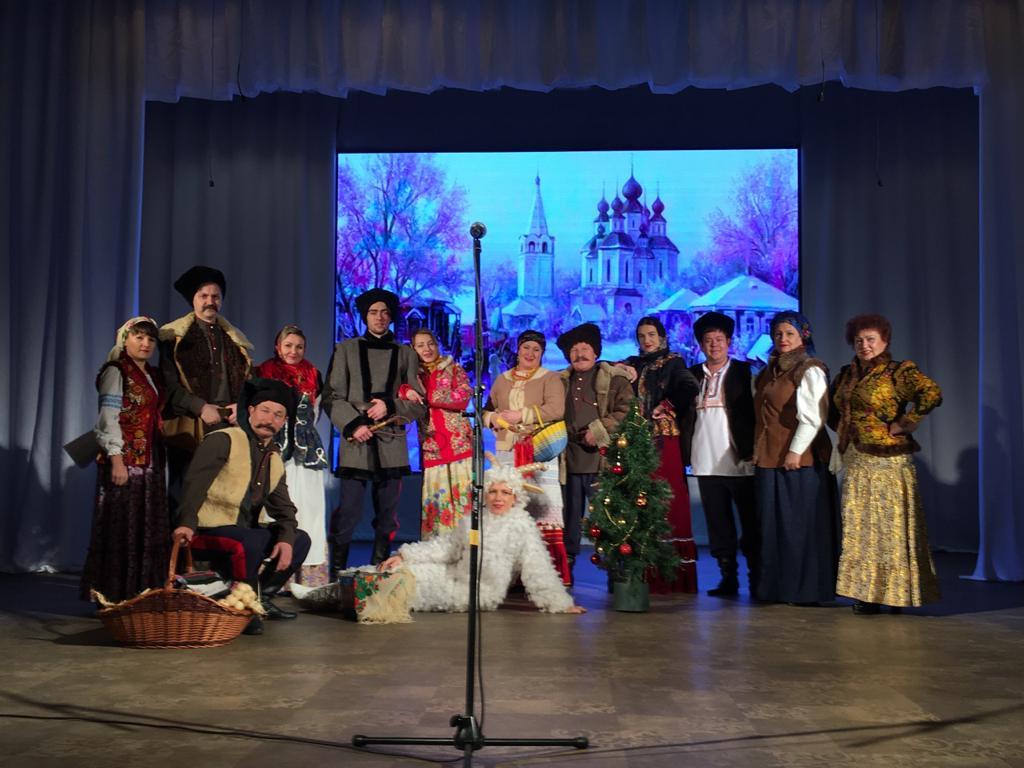 7 января Романовский РДК представил театрализованную программу «Коляда в казачьих станицах»