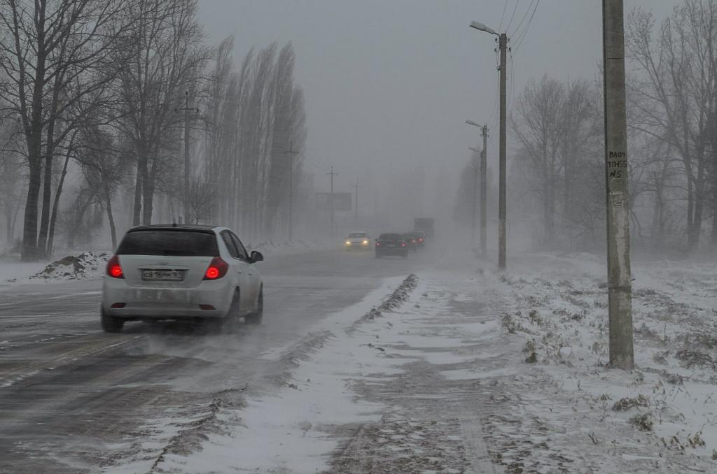 Водителей Волгодонского района призывают быть внимательнее на дорогах из-за непогоды