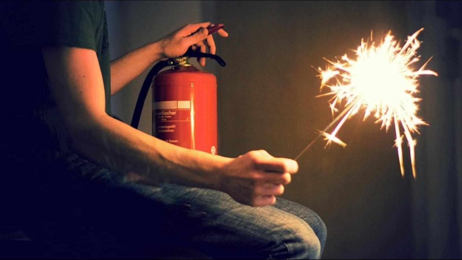 Жителям Волгодонского района напоминают о пожарной безопасности в новогодние праздники