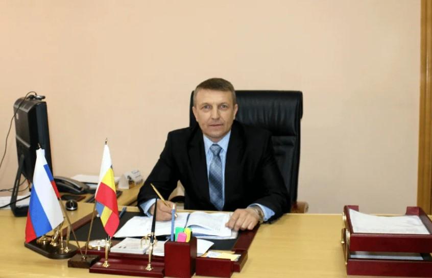Глава Волгодонского района поздравляет защитников Отечества