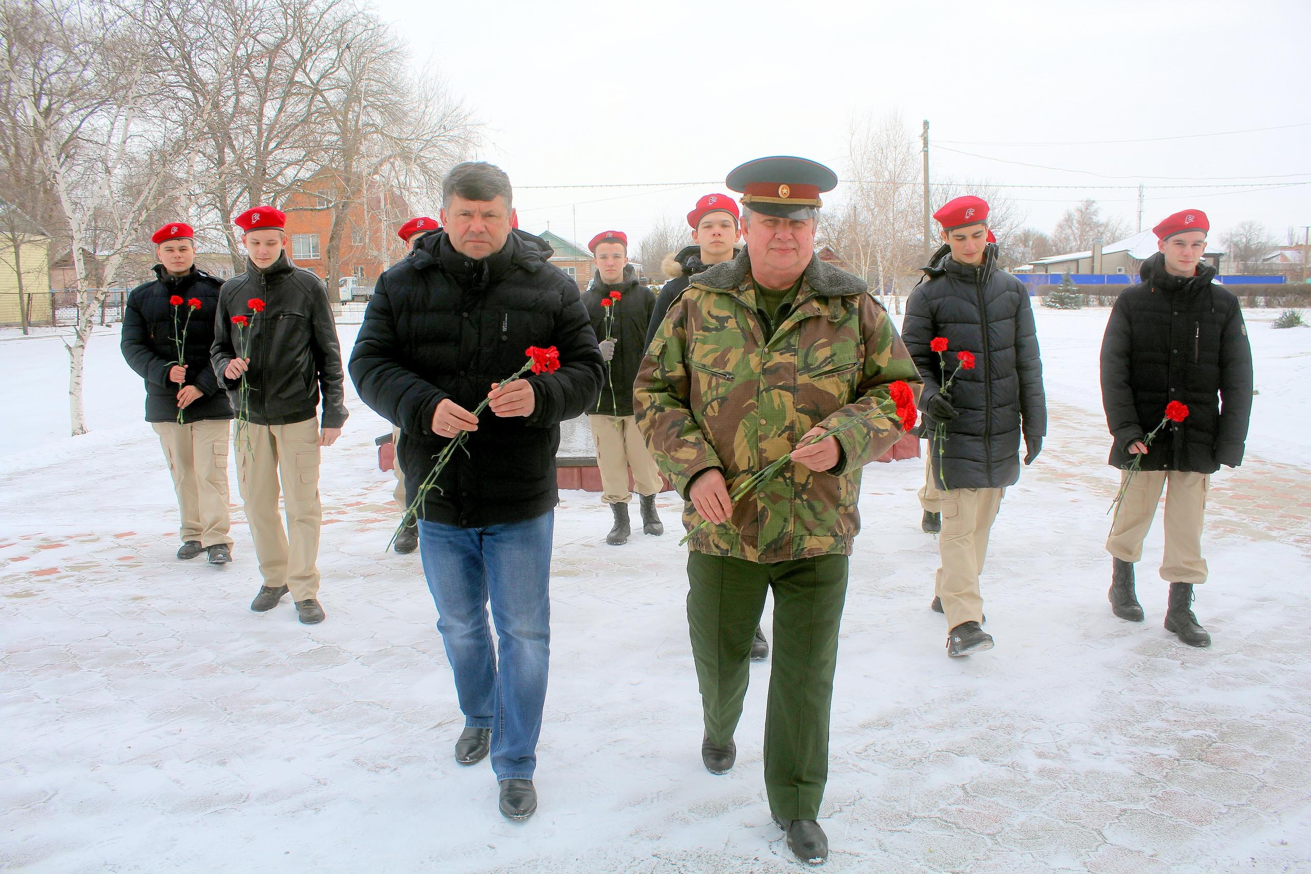 В Волгодонском районе почтили память павших защитников Отечества