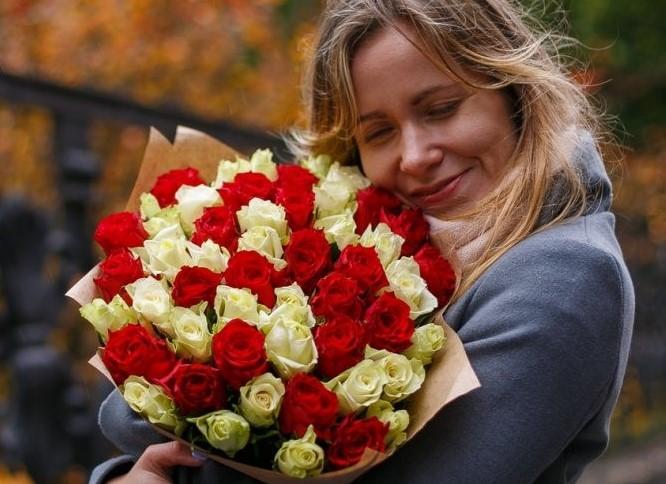 Объявляем итоги фотоконкурса «Дарите женщинам цветы!»