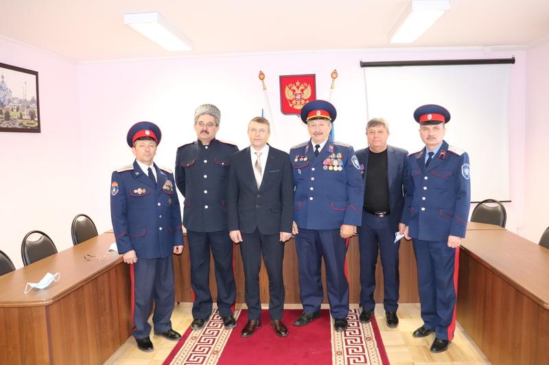 Казаков «Романовского юрта» наградили юбилейными медалями