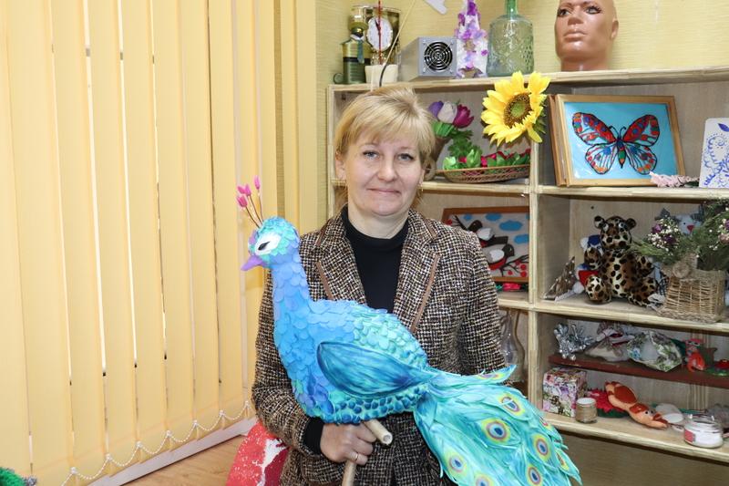 Поздравляем с юбилеем Елену Петровну Кондратьеву — руководителя кружков «Фантазия» и «Мастерица» Романовского РДК