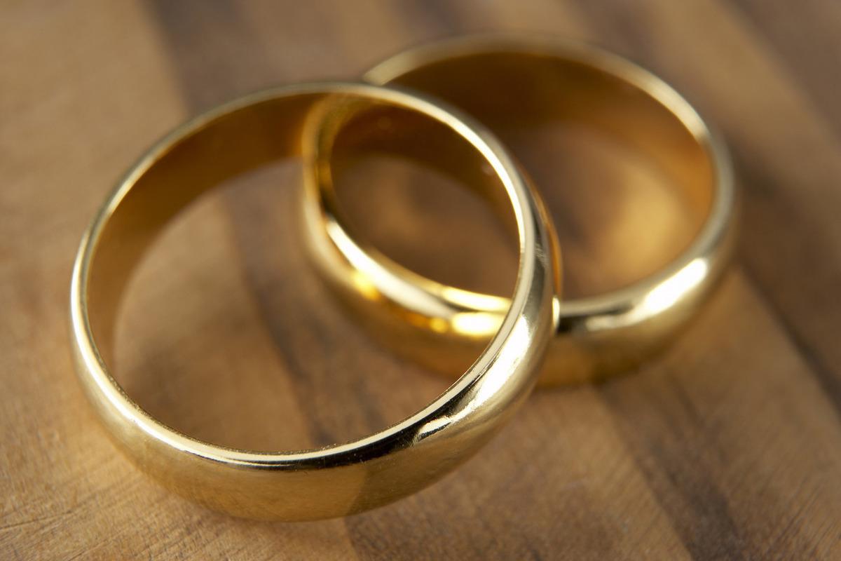 Похитила обручальные кольца у знакомой: полицейские Волгодонска раскрыли кражу из квартиры