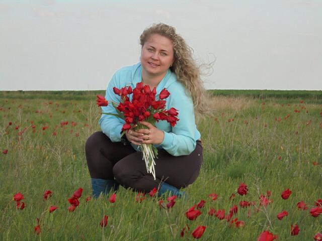 Елена Карпенко присоединяется к конкурсу «Дарите женщинам цветы!»