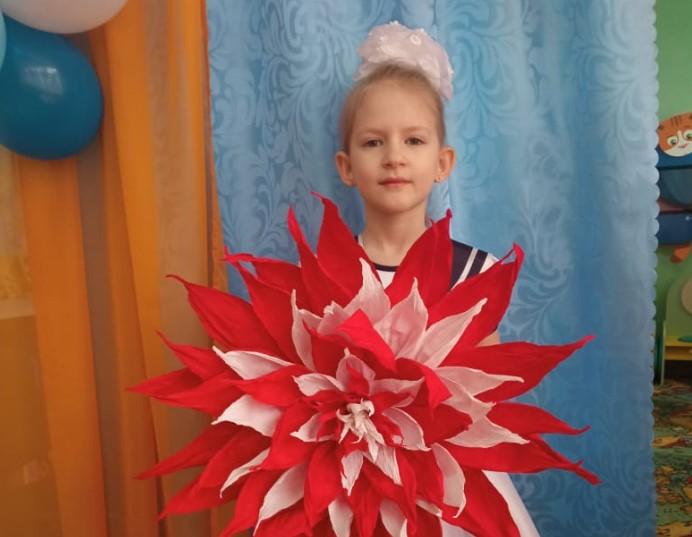 Встречайте Алину Светличную — участницу конкурса «Дарите женщинам цветы!»