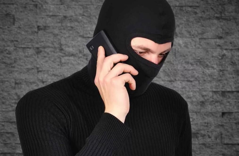 Полицейские Волгодонска напоминают о том, как предостеречь себя от мошеннических деяний
