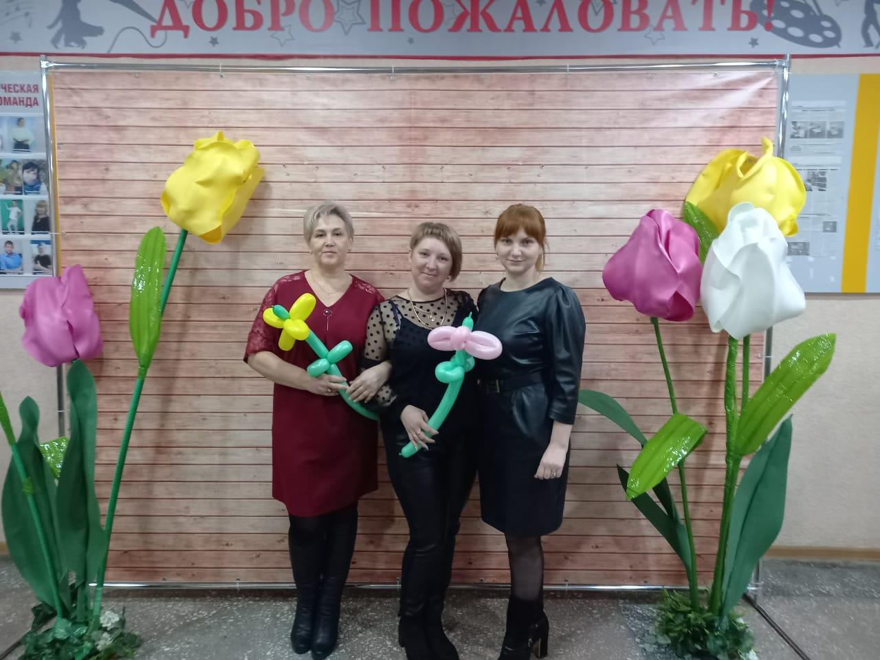 Коллектив Дубенцовского СДК поздравляют с Днём работника культуры