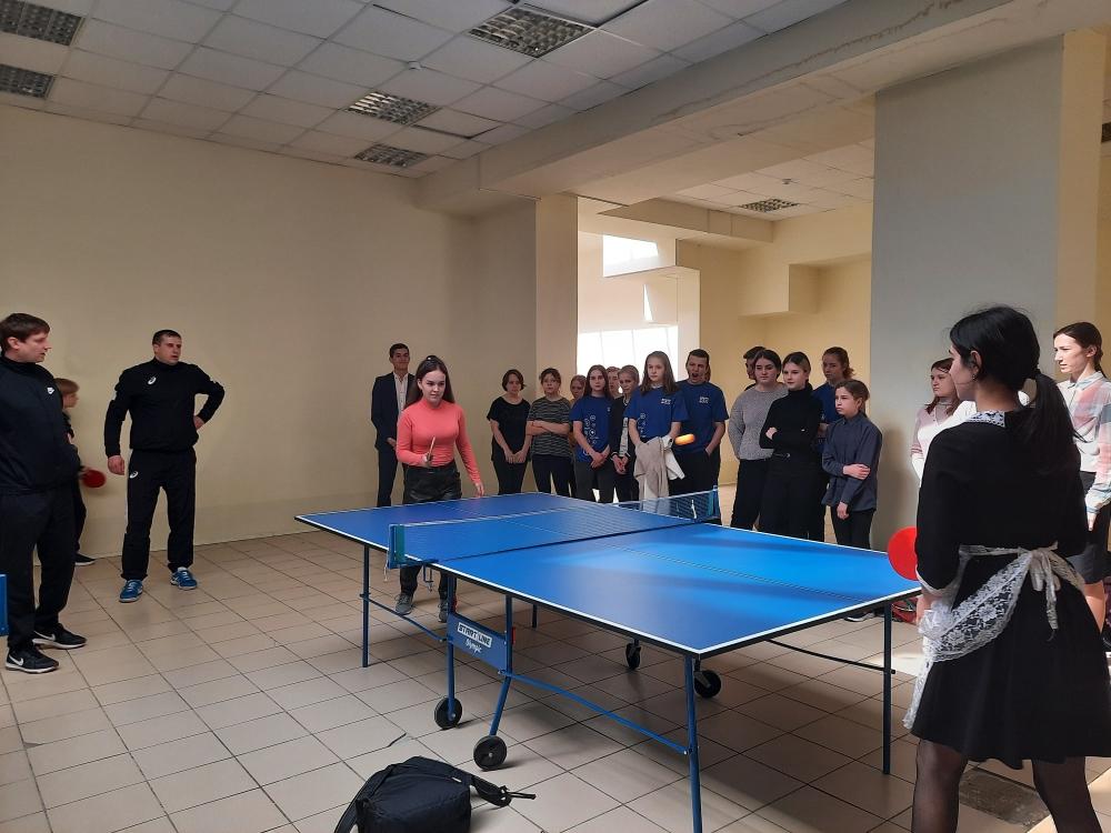 Турнир по настольному теннису состоялся в Романовской школе