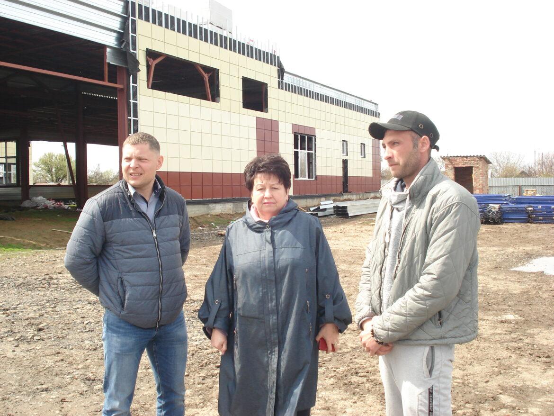 В Лагутниках продолжается строительство нового дома для младших школьников