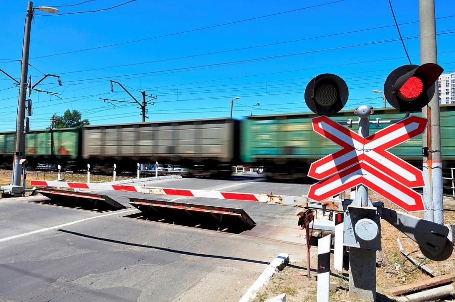 Декадник безопасности движения на железнодорожных переездах проводит ГИБДД Волгодонска
