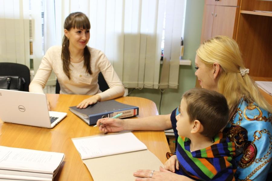 Семьям Волгодонского района с несовершеннолетними детьми предлагают социальное сопровождение