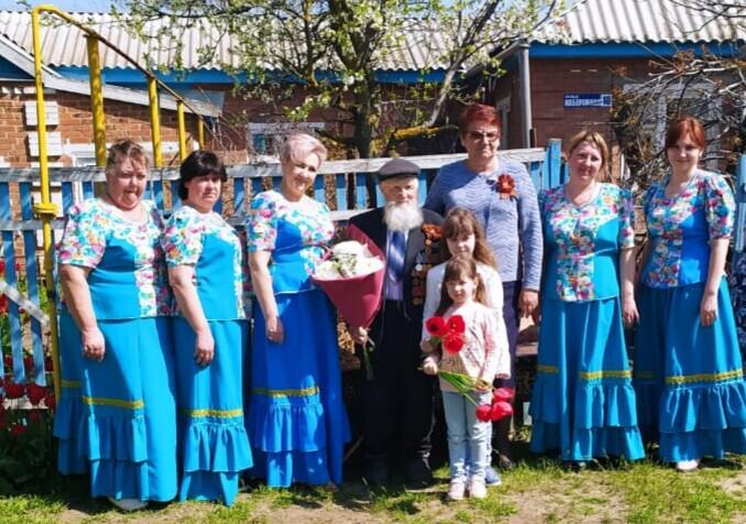 Ветерана Великой Отечественной войны из хутора Пирожок поздравили с юбилеем