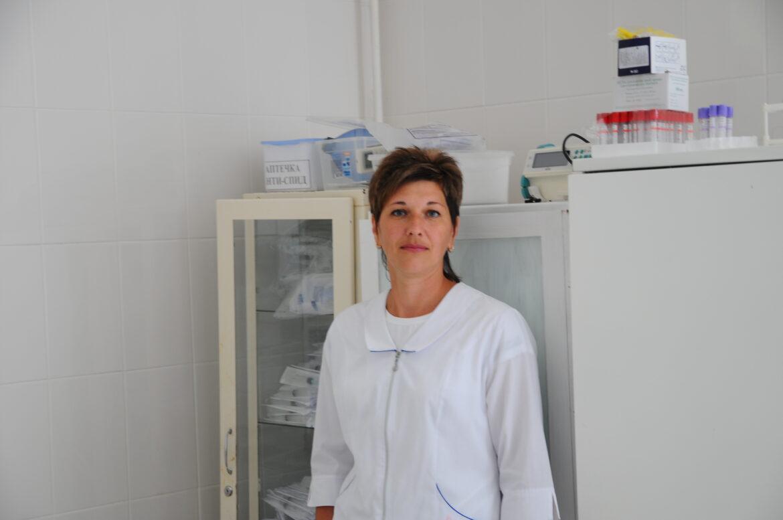 Медсестра терапевтического отделения ЦРБ Волгодонского района Светлана Васильевна Комарова верна долгу и мечте