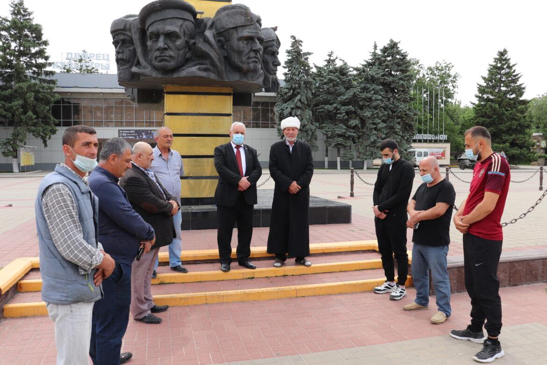 Представители турок-месхетинцев, проживающих ныне в Волгодонске и Волгодонском районе, собрались на траурный митинг