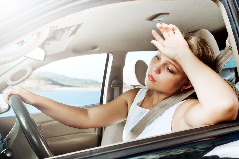 Сотрудники Госавтоинспекции Ростовской области предупреждают водителей о мерах предосторожности за рулем в жаркую погоду