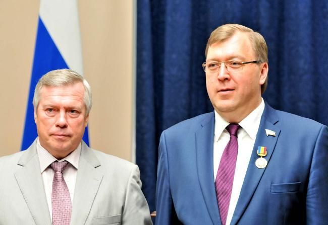 Василий Голубев и Александр Ищенко поздравили донских работников торговли