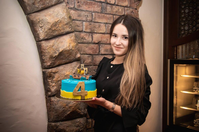 В Международный День торта рассказываем о красивом и вкусном хобби Елены Харламовой из Романовской
