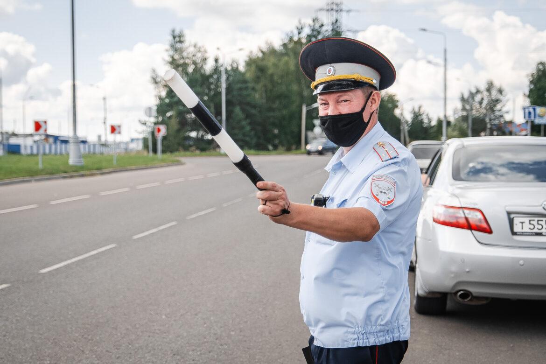 Госавтоинспекция Волгодонска призывает водителей и пассажиров строго соблюдать ПДД