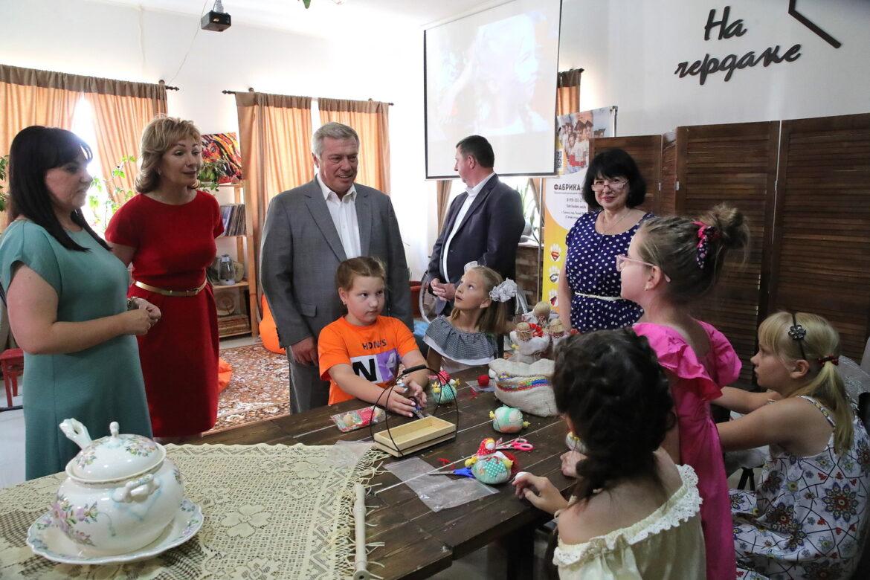 Правительство Ростовской области выделило более 65,5 млн рублей на помощь по соцконтрактам