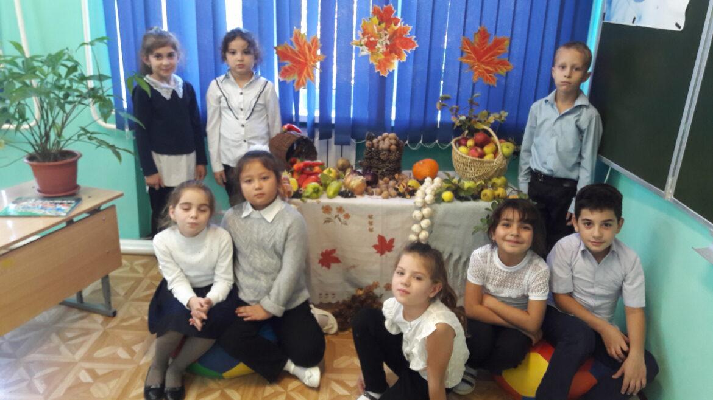 Ученики второго класса Побединской школе присоединились к акции «День урожая»