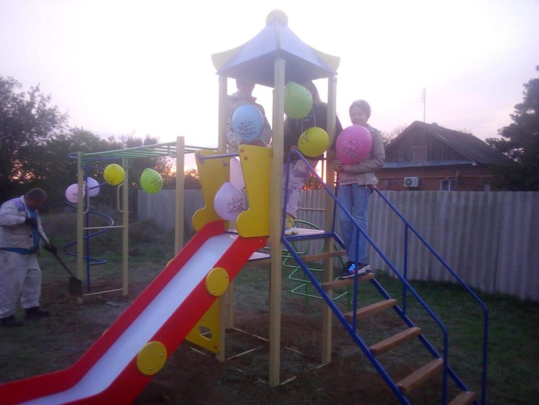 В Мокроселёном обустроили детскую игровую площадку